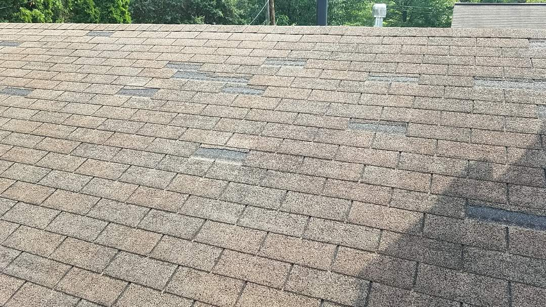 Lexington, KY - Providing an estimate for a new roof due to lots of wind damage