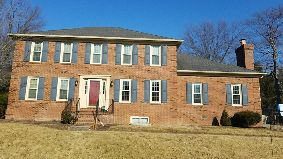 Lexington, KY - We are in the Hartland neighborhood today giving an estimate for a full gutter replacement