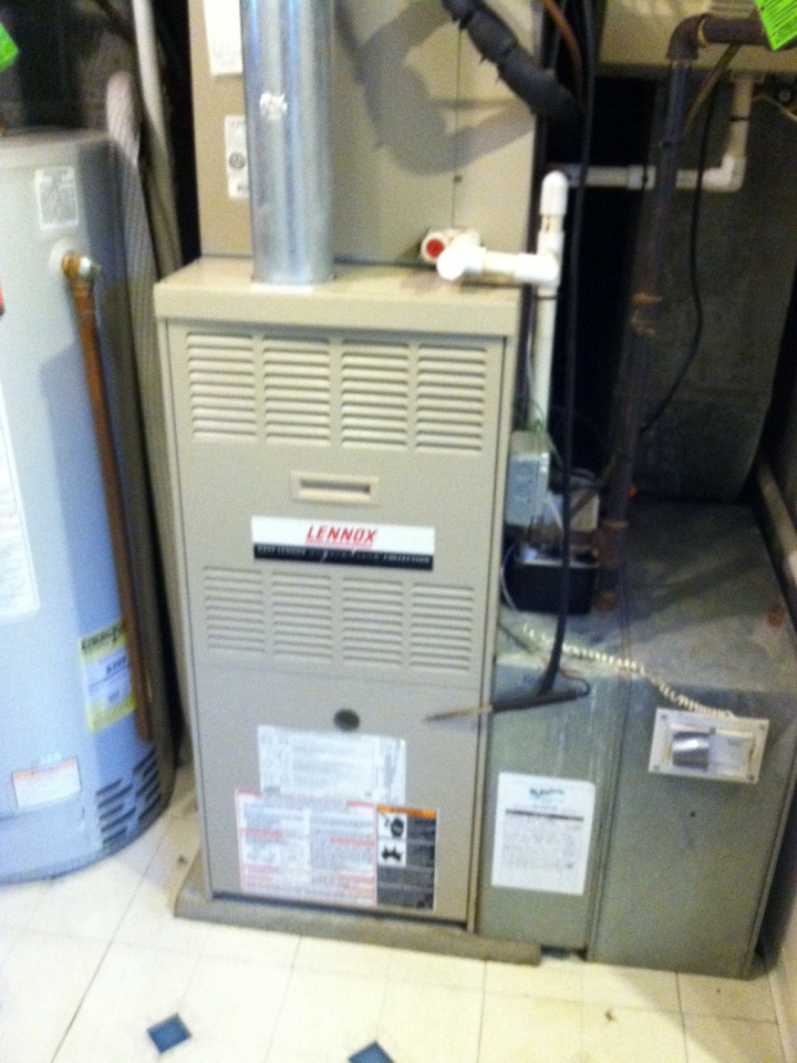 Broomall, PA - Performed an annual tune up on a Lennox Gas furnace in Broomall, Pa.