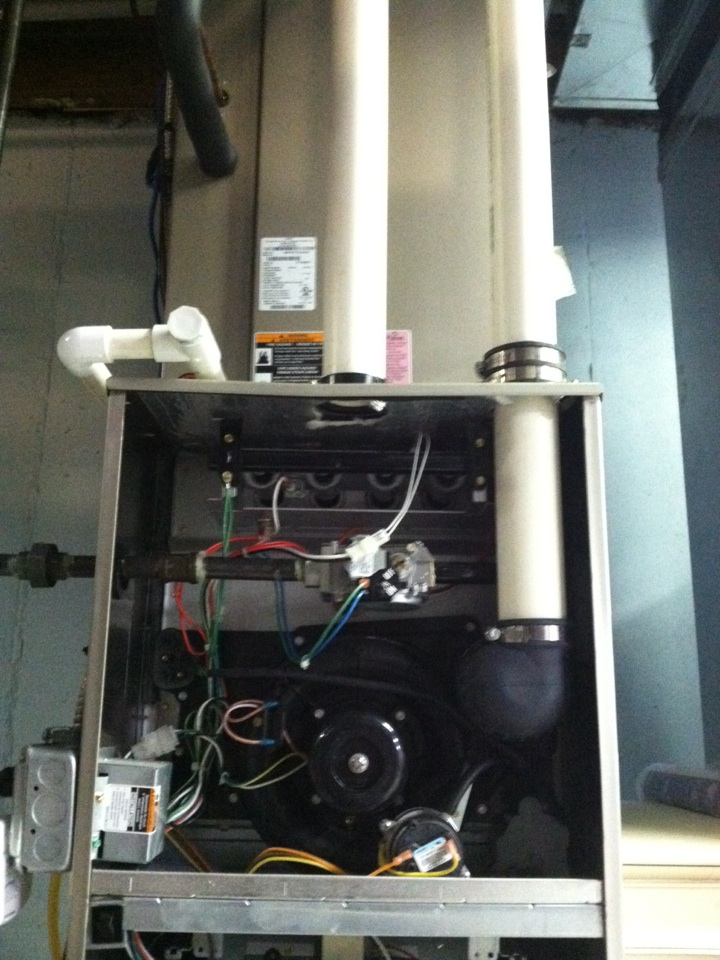 Broomall, PA - Performed annual tune up on a Carrier High Efficient gas furnace in Broomall, Pa.