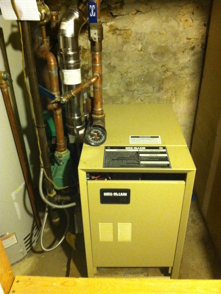 Narberth, PA - Performed an annual tune up on a Weil McLain gas boiler in Narberth, Pa.