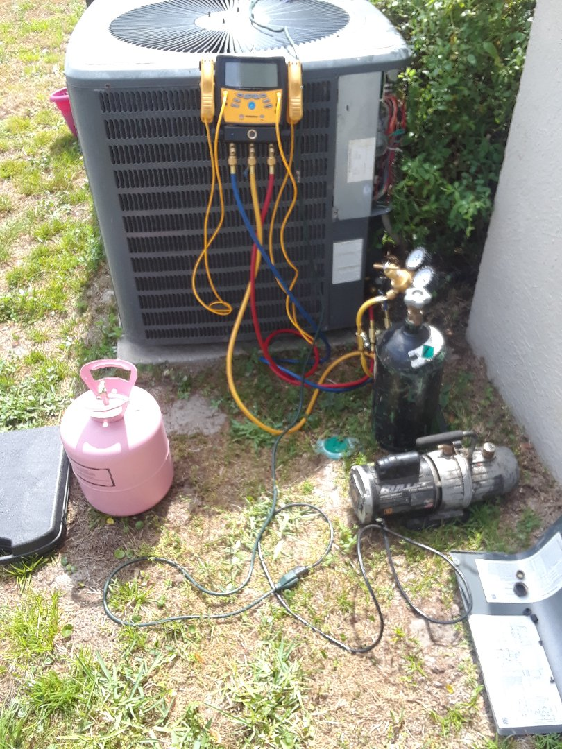 Winter Garden, FL - Changing out in warranty evaporator coil
