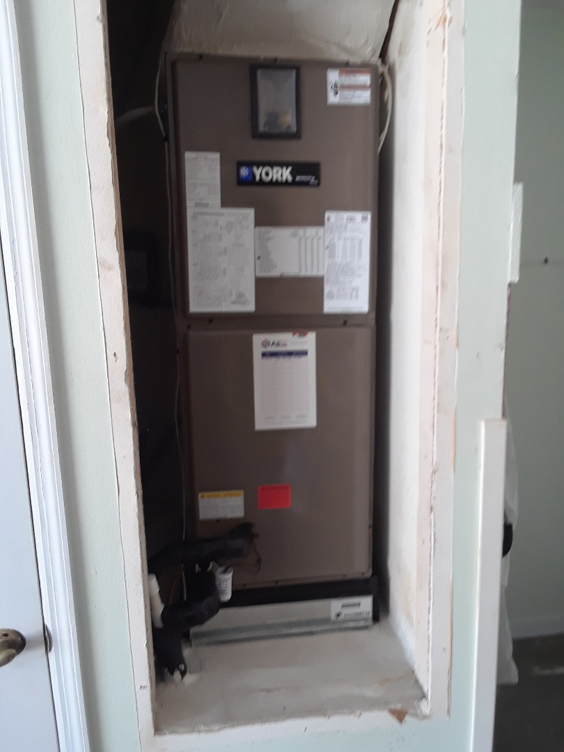 Orlando, FL - Installed New York heat pump 3 ton system 18 Seer