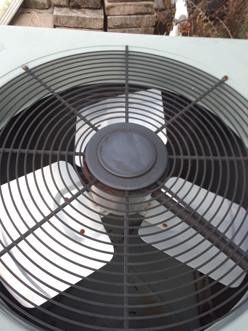 Orlando, FL - Replacing condenser fan motor