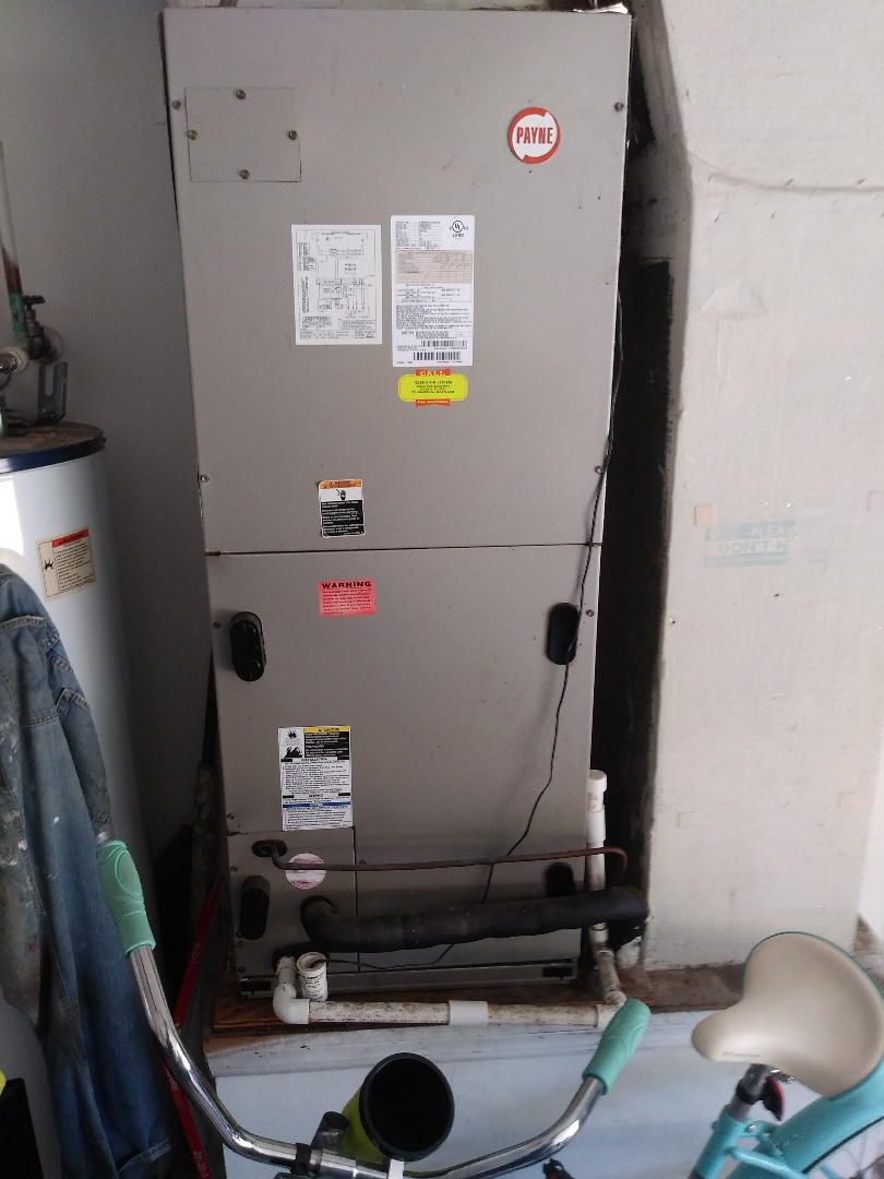 Apopka, FL - Replacing run capacitor for air conditioning system in Apopka