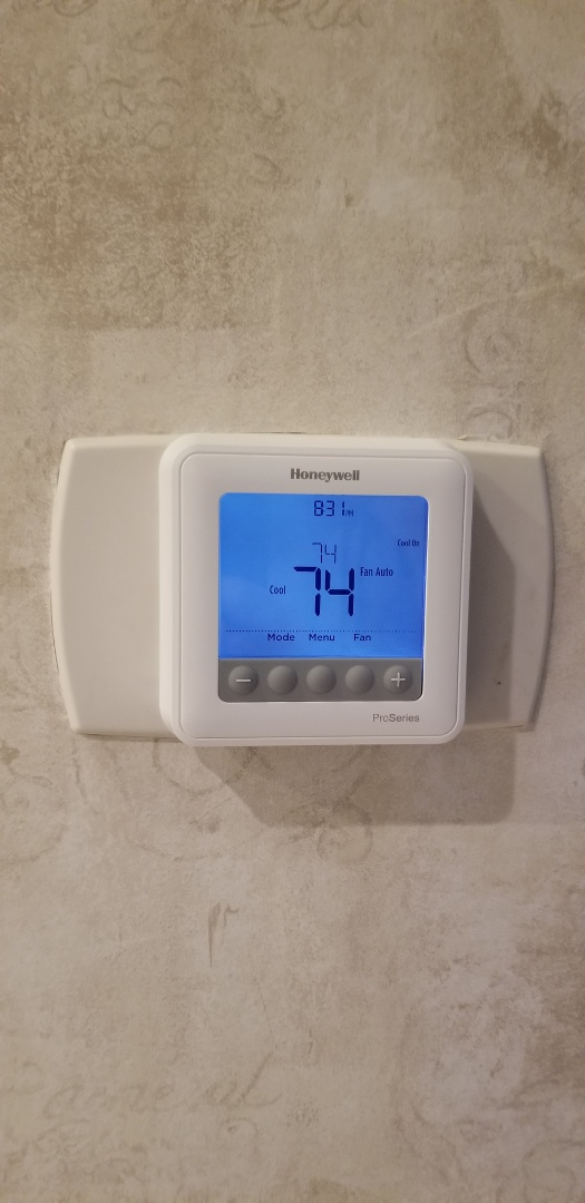Heathrow, FL - Changed out a thermostat that had a mind of it's own here In Heathrow