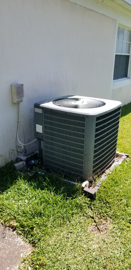 Lake Mary, FL - Performing maintenance check up on this system just need to do flushing of the drain and more often.