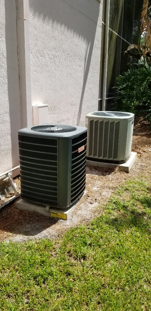 Sanford, FL - Topping off freon on this 3 system tune up service here in sanford.