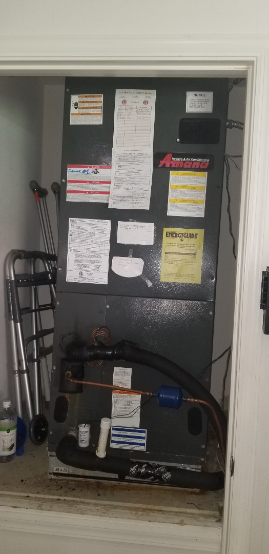 Windermere, FL - Returned from Wednesday to replace the evaporator coil and charge the system correctly,   system is cooling great now :)