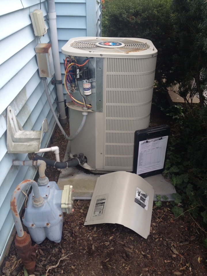 Rockledge, PA - AC inspection on Frigidaire System!!