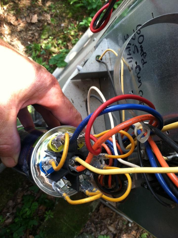 Cheltenham, PA - Replace run start capictor