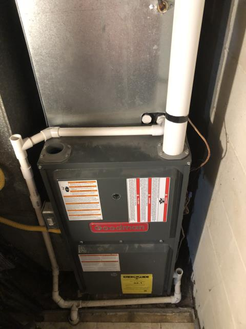 Lebanon, OH - Recommend customer change dirty filter on 2014 Goodman gas furnace and replace collector box due to small leak. System running properly at time of departure.