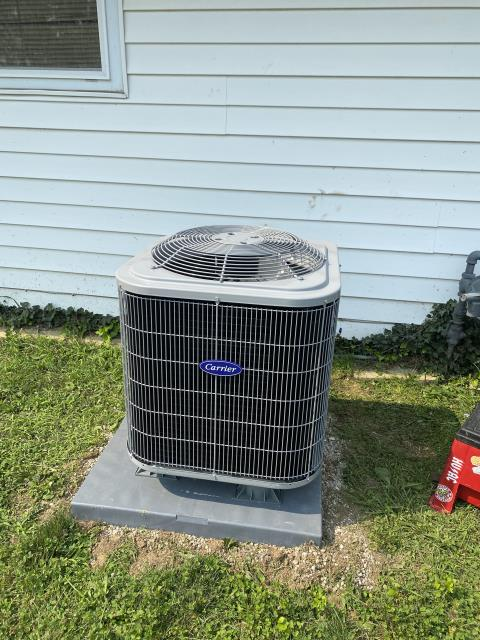 Middletown, OH - After removing the Lennox gas furnace and air conditioner, I installed a Carrier 80% 70,000 BTU Gas Furnace and a Carrier 13 SEER 2.5 Ton Air Conditioner.  Cycled and monitored the system.  Operating normally at this time.  Included with the installation is a free 1 year service maintenance agreement.