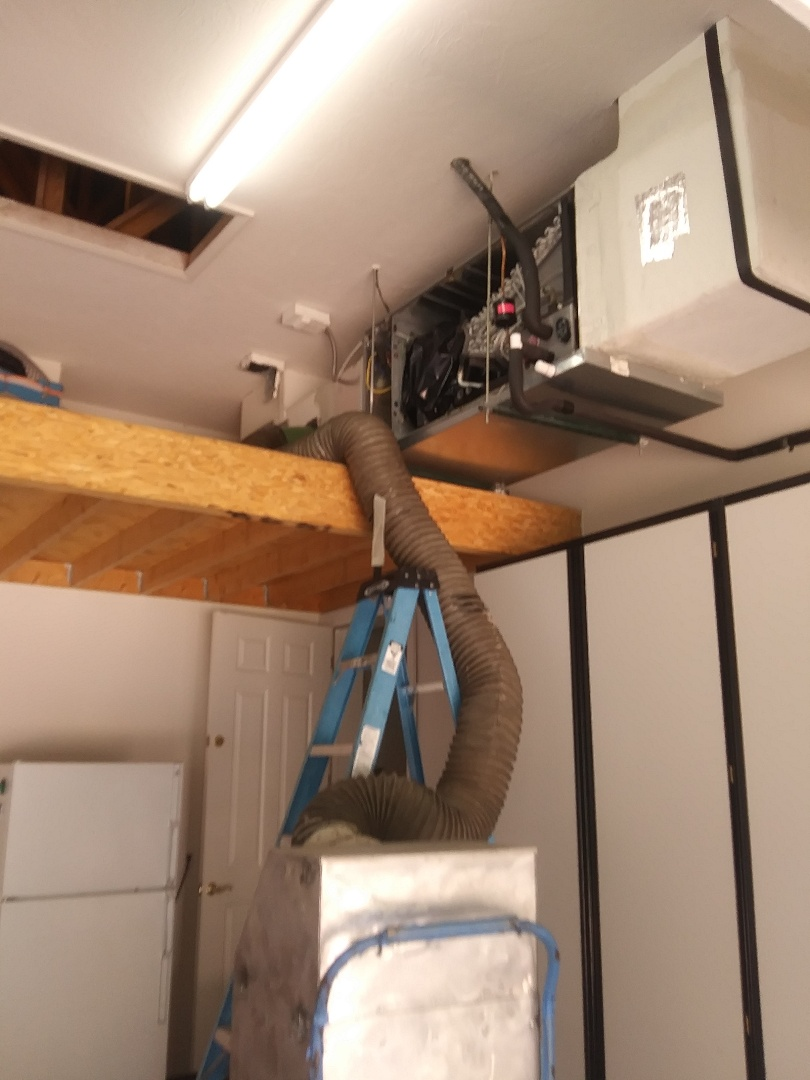 Sarasota, FL - A/C duct clean. And tune up.