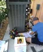 Bradenton, FL - Diagnosis and freon re-charge on 5 ton Trane system