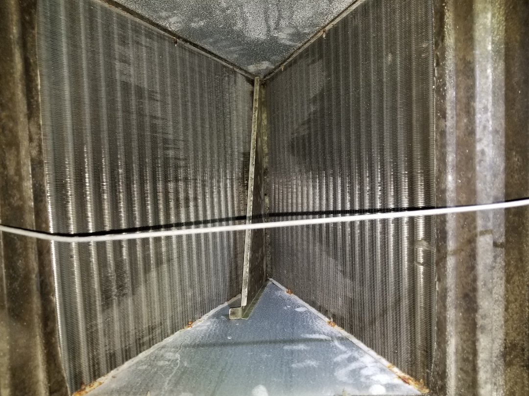 Sarasota, FL - A/C air duct cleaning and system tune up.