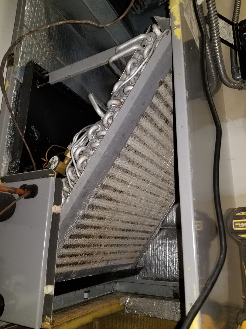 Bradenton, FL - Commerical Air conditioning  duct cleaning on 3 systems.