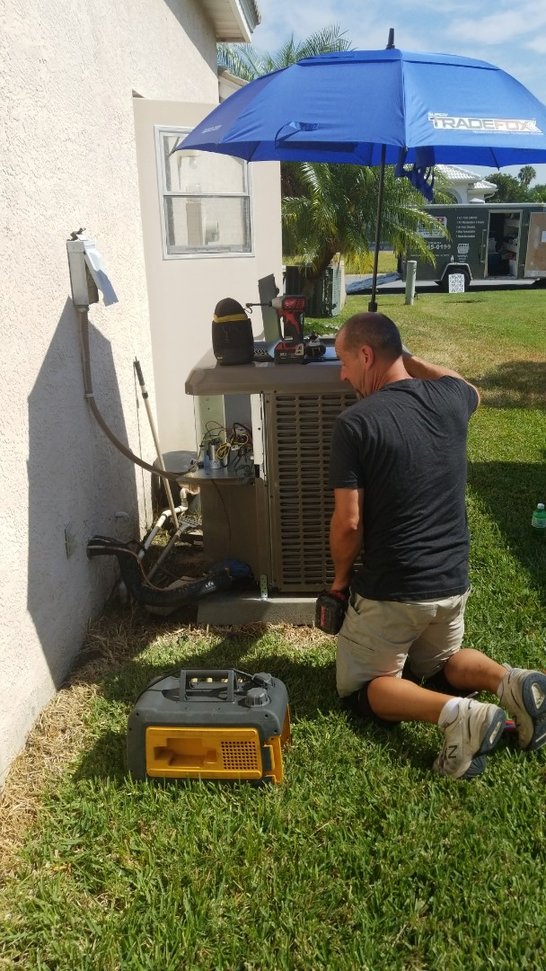 Sarasota, FL - Air conditioning replacement and air duct cleaning.