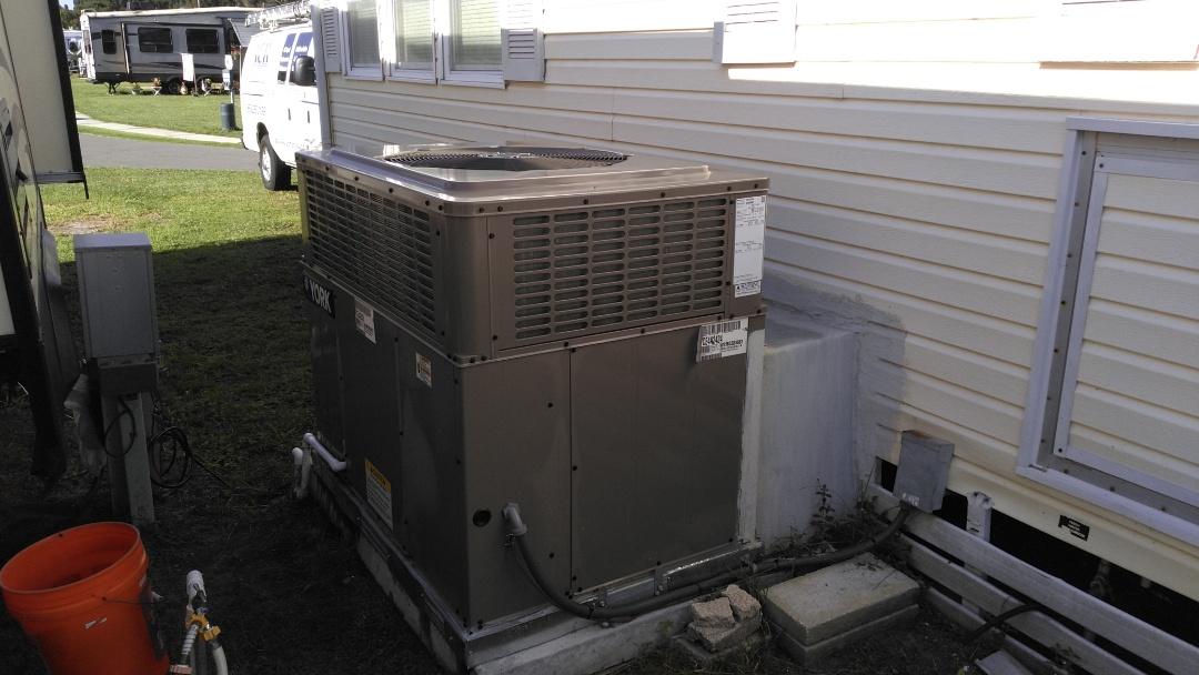 Ruskin, FL - AC maintenance on YORK packaged unit.