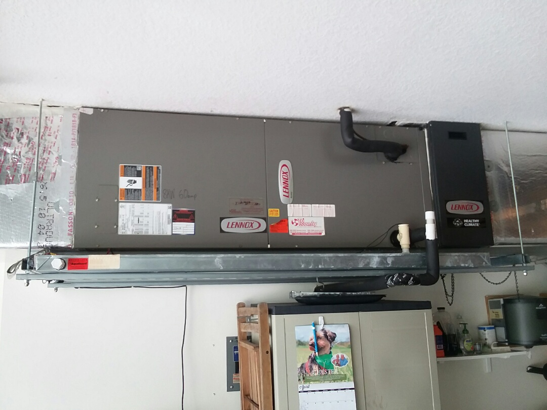 Bradenton, FL - 4 ton Lennox air conditioner maintenance.