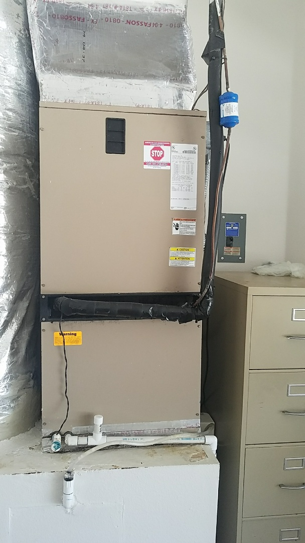 Sarasota, FL - Precision Tune Up maintenance on air conditioner.