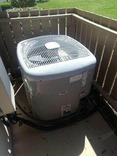 Sarasota, FL - New customer maintenance on air conditioner.
