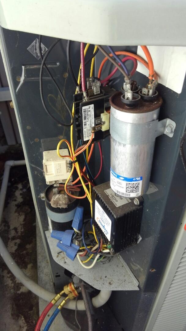Sarasota, FL - 2.5 ton Trane air conditioner tune up.