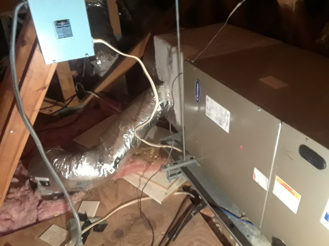 Sarasota, FL - Performing a maintenance on a Carrier AC system