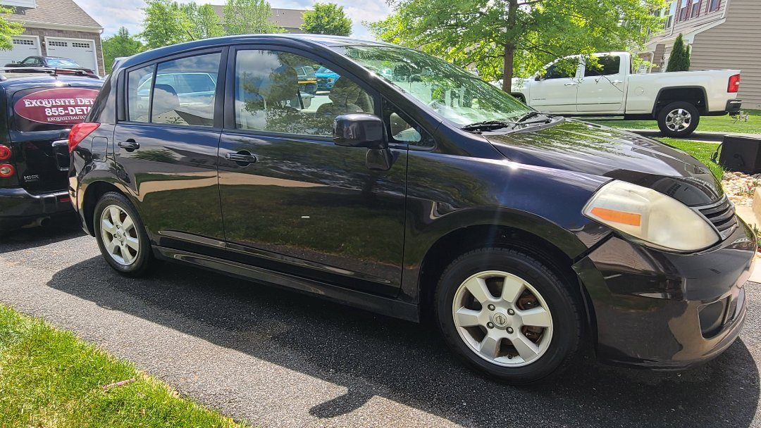 Elkton, MD - Exquisite detailing for this Nissan versa