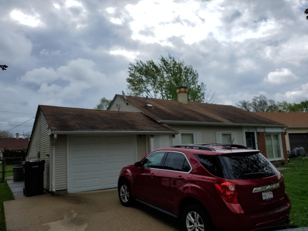 Estimate for new asphalt shingles roof