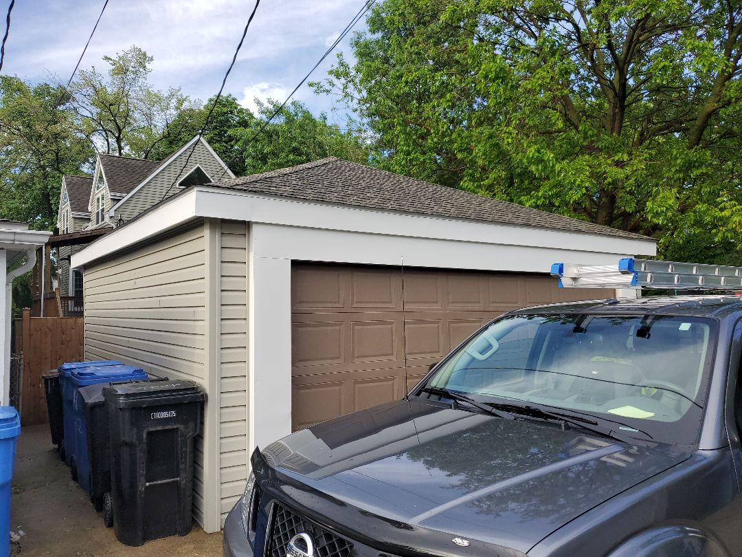 Chicago, IL - estimate for gutters on garage