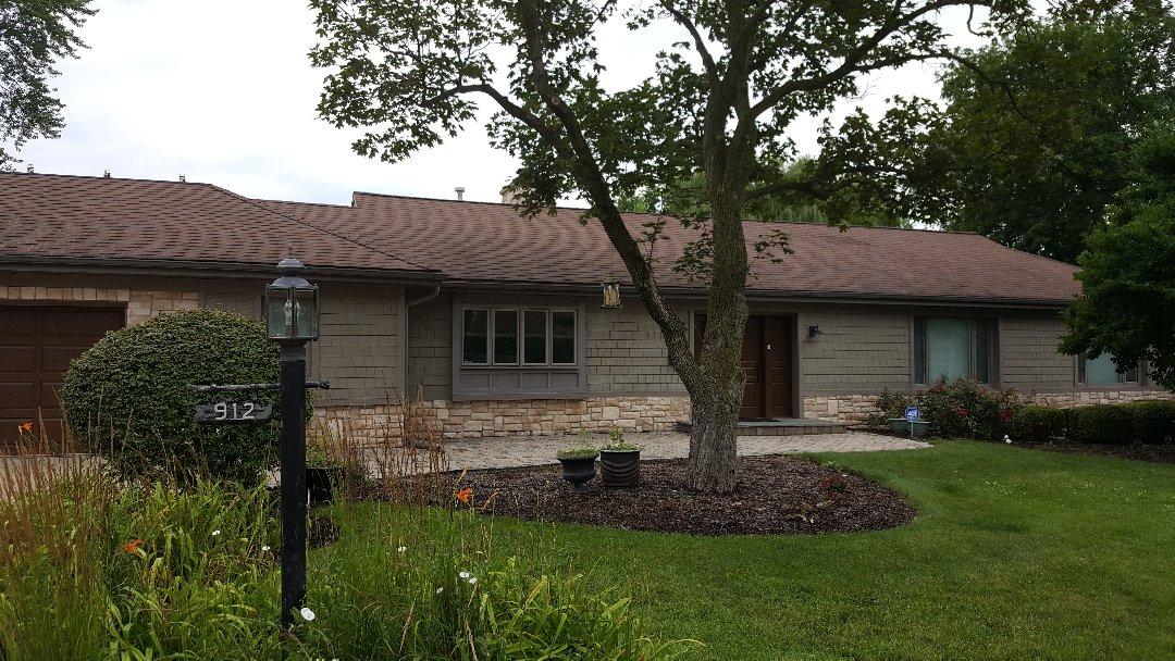 Deerfield, IL - Measuring shingle roof