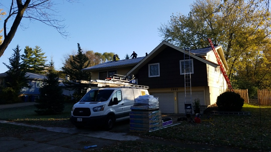 Schaumburg, IL - Starting full roof replacement of asphalt architectural shingles.