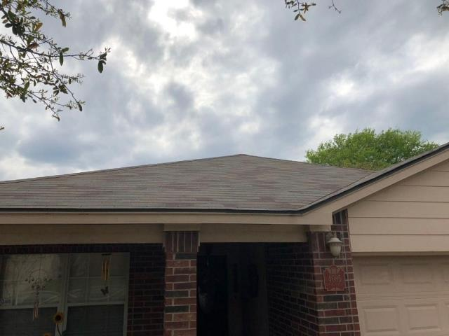 Schertz, TX - Dura-seal Nathural Wood shingled home