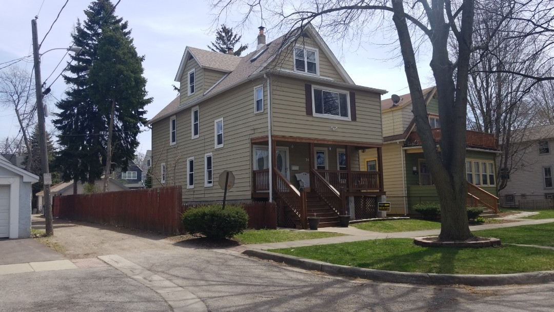Evanston, IL - Siding damage approved, hail damage, siding contractor