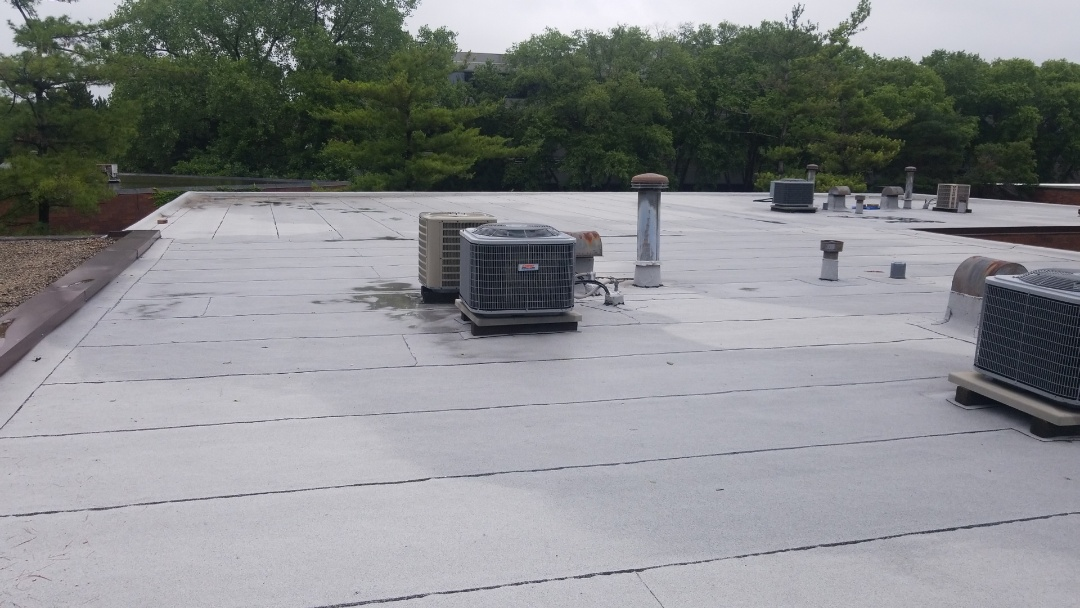 Schaumburg, IL - Flat roof repairs needed.