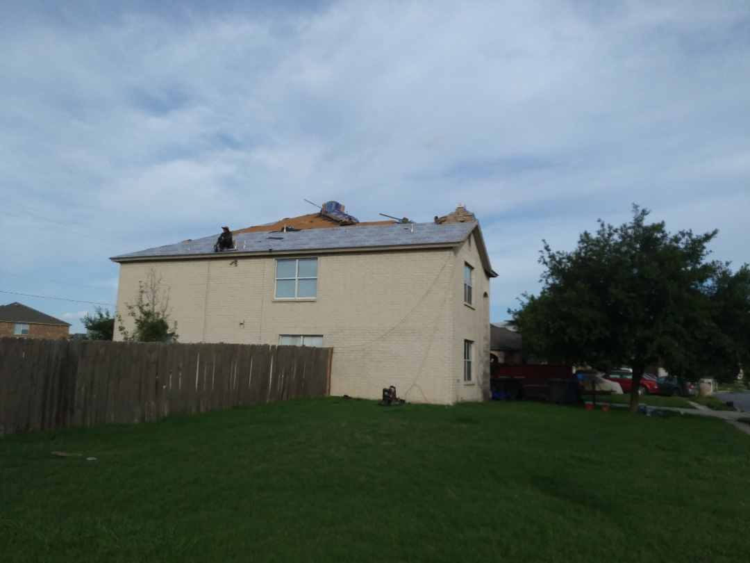 San Antonio, TX - Full roof replacement.
