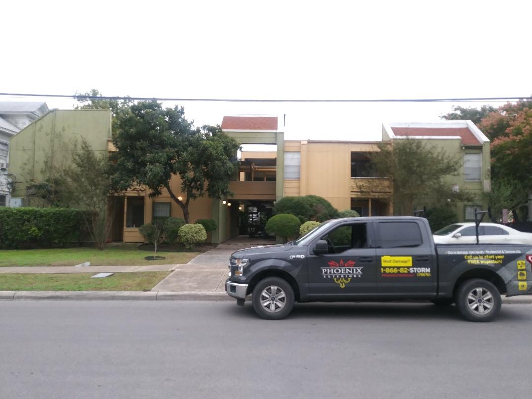 San Antonio, TX - Apartment building inspection.  Modified Bitumen / TPO