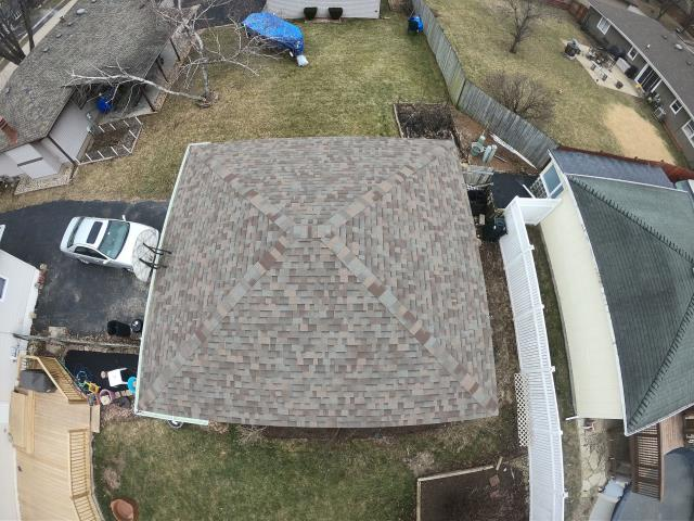 Joliet, IL - Natural Wood Shingles