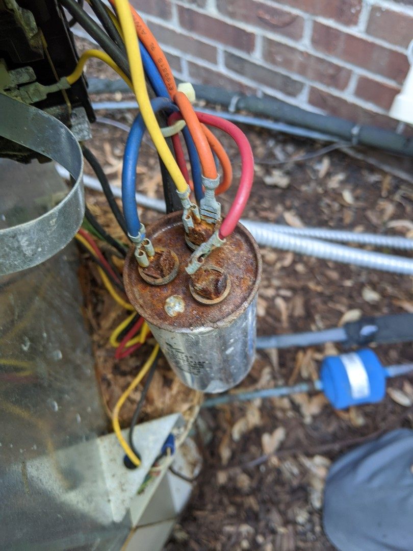 Huntington Woods, MI - Gibson no AC condenser buzzing. Bad capacitor.