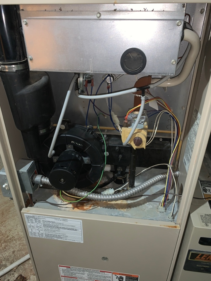 Detroit, MI - Furnace tune up maintenance Lennox Furnace annual service