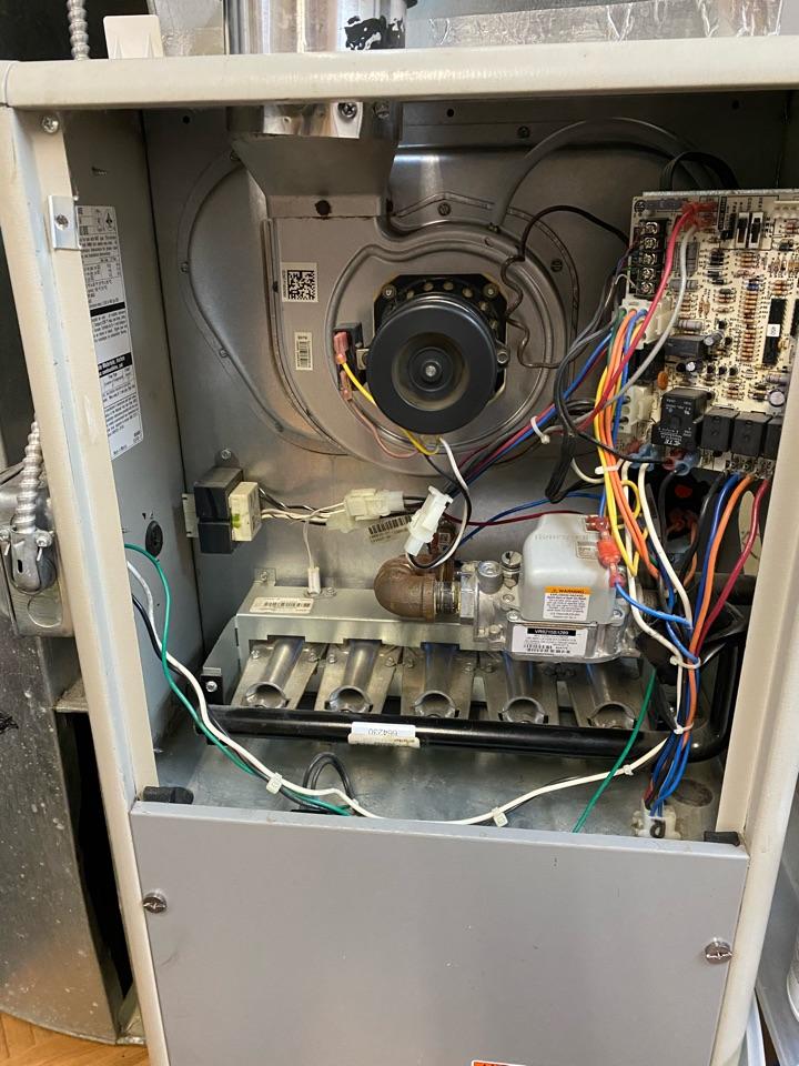 Oak Park, MI - Furnace repair Service Call No Heat. Dirty Filter, Brush and Vacuum Burner & Blower Compartments. Clean Flame Sensor.