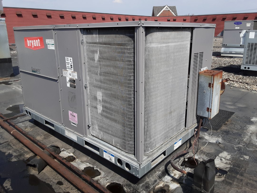 Southfield, MI - Bryant rooftop unit repair and cleaning.