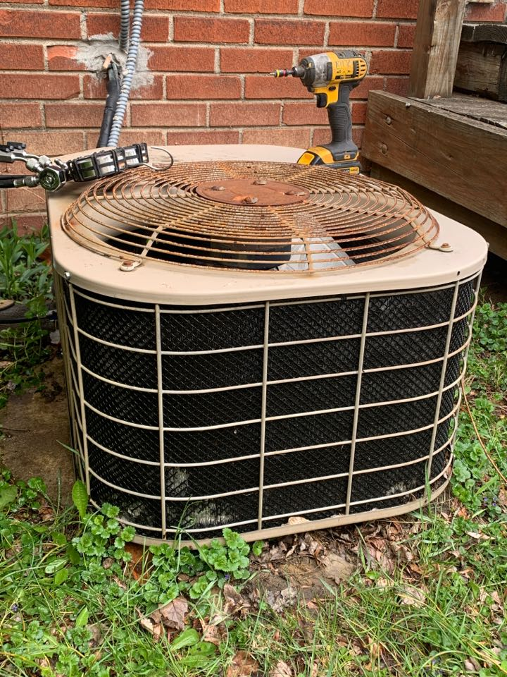 Detroit, MI - Luxaire a/c unit: Basic maintenance visit