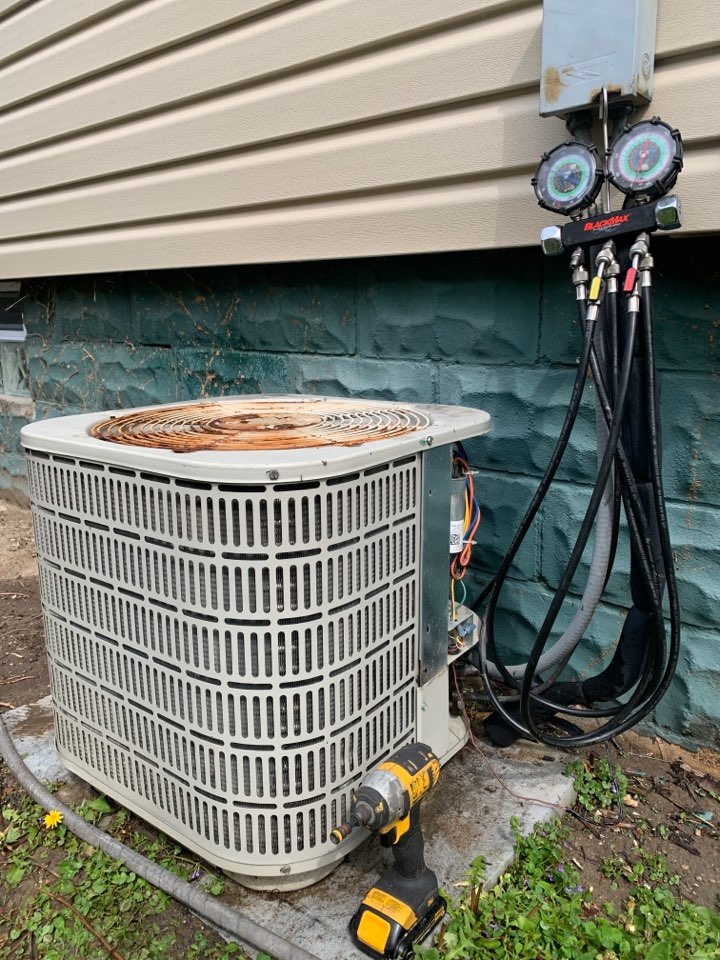 Royal Oak, MI - Maytag A/C: Basic Maintenance Visit