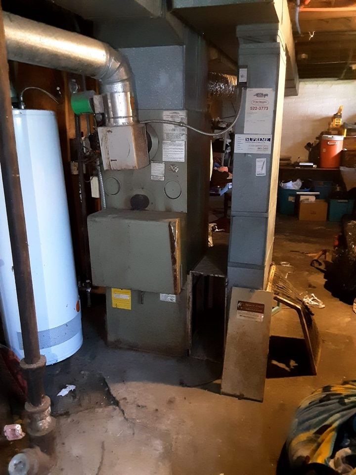 Detroit, MI - Thermaflow furnace, no heat; Door panel fell