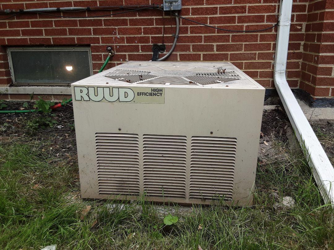 Oak Park, MI - Ruud air conditioner. No AC low refrigerant.