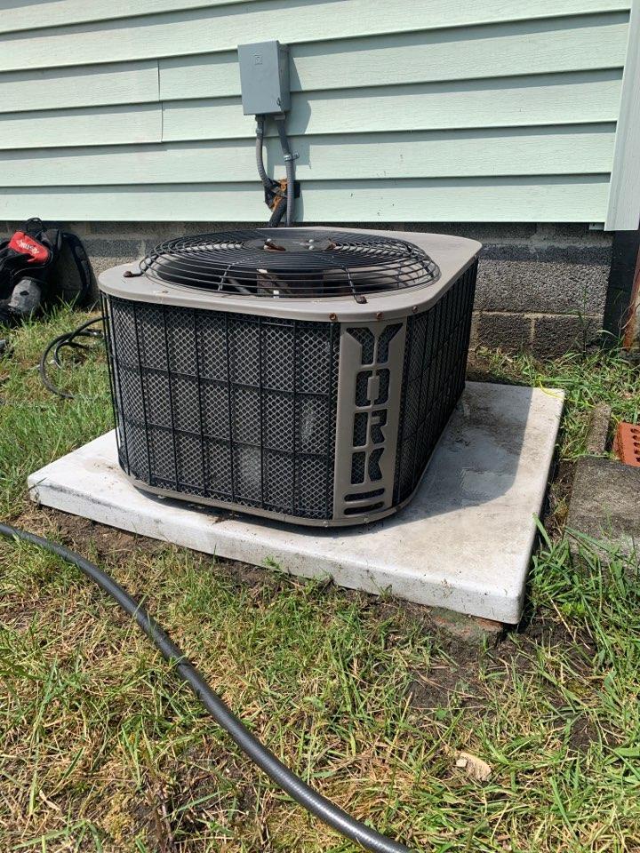 Detroit, MI - York A/C, Maintenance Visit: Ready for Summer