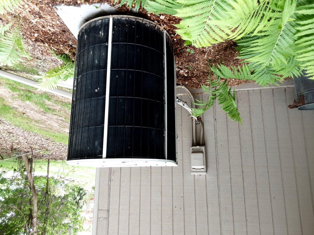 West Bloomfield Township, MI - Snyder general comfortmaker condenser unit low on refrigerant.