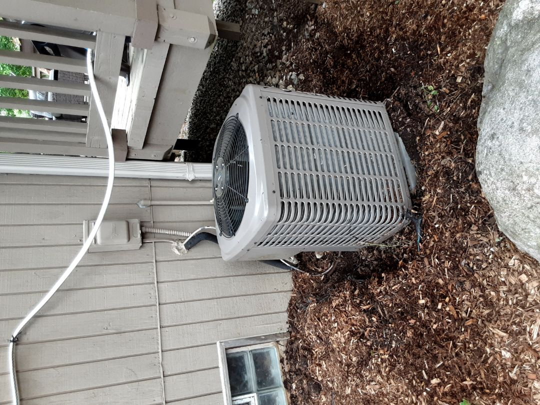 West Bloomfield Township, MI - York condenser not cooling. Added refrigerant.
